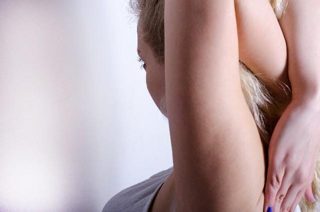 脇の黒ずみを消すために必要な最も簡単な方法とは!効果抜群の脇の黒ずみ消し